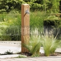 Zahradní vodovod s imitací dřeva