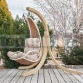 Závěsné ratanové křeslo Luxury s dřevěným stojanem