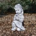 Kislány békával szobor ba 123