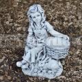 Kislány nyúllal szobor ba 172