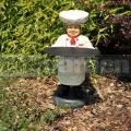 Szakács szobor tálcával A279