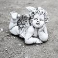 Anjeli a sväté sochy