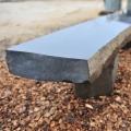 Záhradný nábytok z kameňa