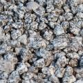 Kameň Granit šedý drť 8-16mm 25kg