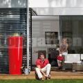 Moderná dvojfunkčná nádrž červená
