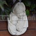 Reliéf Mária s dieťaťom 179