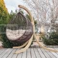 Ratanové závesné kreslo Relax s dreveným stojanom